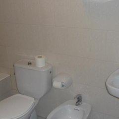 Отель Apartamentos de la Hoz Испания, Арнуэро - отзывы, цены и фото номеров - забронировать отель Apartamentos de la Hoz онлайн ванная фото 2