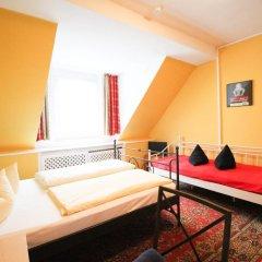 Отель Pension/Guesthouse am Hauptbahnhof Стандартный номер с двуспальной кроватью (общая ванная комната) фото 30
