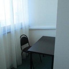 Хостел 4&4 Кровать в общем номере фото 18