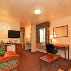 Отель Quality Inn комната для гостей фото 4