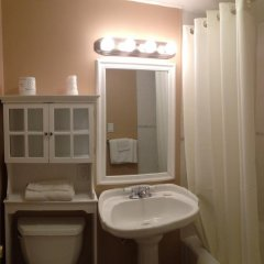 Отель Moonlite Motel США, Ниагара-Фолс - отзывы, цены и фото номеров - забронировать отель Moonlite Motel онлайн ванная фото 2