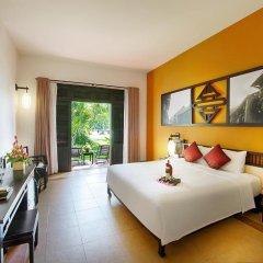 Отель Hoi An Beach Resort 4* Улучшенный номер с различными типами кроватей фото 6