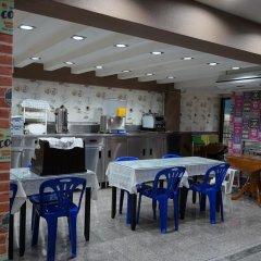 Отель Banglumpoo Place Таиланд, Бангкок - отзывы, цены и фото номеров - забронировать отель Banglumpoo Place онлайн питание фото 2
