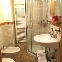 Отель Maison Colombot Италия, Аоста - отзывы, цены и фото номеров - забронировать отель Maison Colombot онлайн ванная фото 2