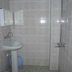Отель Guest House Cherno More Болгария, Поморие - отзывы, цены и фото номеров - забронировать отель Guest House Cherno More онлайн ванная фото 2