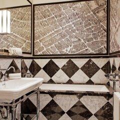 Отель Relais Christine 5* Номер Делюкс с различными типами кроватей
