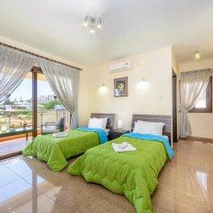 Отель Fig Tree Bay Villa 6 Кипр, Протарас - отзывы, цены и фото номеров - забронировать отель Fig Tree Bay Villa 6 онлайн комната для гостей фото 2