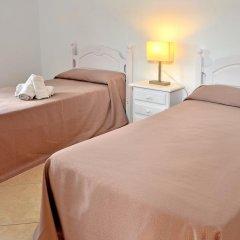 Отель Hostal El Arco Номер категории Эконом с различными типами кроватей фото 9