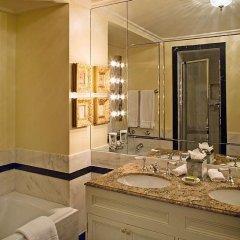Отель The Sherry Netherland 4* Улучшенный номер с различными типами кроватей фото 5