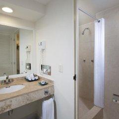Отель Oasis Palm Hotel Мексика, Канкун - 9 отзывов об отеле, цены и фото номеров - забронировать отель Oasis Palm Hotel онлайн ванная