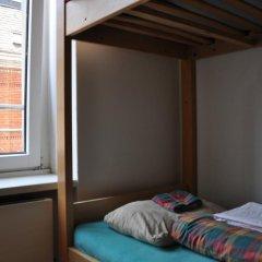 Отель Langstars Backpackers Кровать в общем номере фото 15