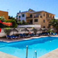 Отель Apartamentos Embajador Испания, Фуэнхирола - отзывы, цены и фото номеров - забронировать отель Apartamentos Embajador онлайн бассейн фото 2