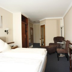 Hotel Garni Zum Gockl Унтерфёринг комната для гостей фото 7