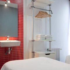 Отель Hostal Nitzs Bcn Стандартный номер с различными типами кроватей (общая ванная комната) фото 3