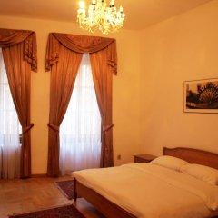 Отель U Cerneho Medveda- At The Black Bear Апартаменты с различными типами кроватей фото 12
