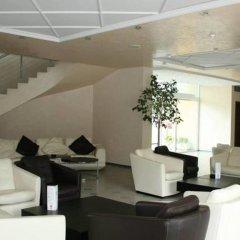 Отель Menada Oasis Resort Apartments Болгария, Солнечный берег - отзывы, цены и фото номеров - забронировать отель Menada Oasis Resort Apartments онлайн гостиничный бар