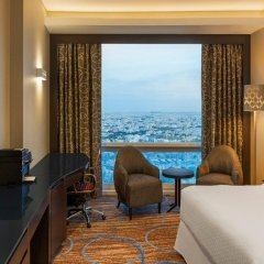 Отель Four Points by Sheraton Kuwait комната для гостей фото 4