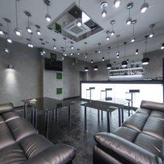 Гостиница Club Lynx в Челябинске отзывы, цены и фото номеров - забронировать гостиницу Club Lynx онлайн Челябинск гостиничный бар