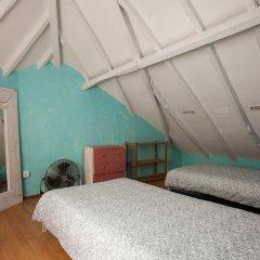 Отель Ericeira Surf Camp 2* Кровать в общем номере двухъярусные кровати фото 29