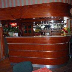 Отель Motel Comet Польша, Кобыльница - отзывы, цены и фото номеров - забронировать отель Motel Comet онлайн гостиничный бар