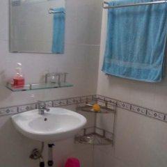 Отель De Vong Riverside Homestay Хойан ванная фото 2