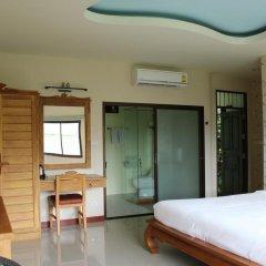 Отель Kata Garden Resort 3* Улучшенный номер с двуспальной кроватью фото 9