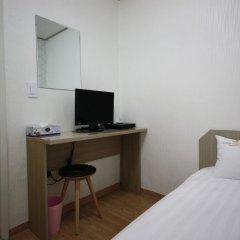 Отель K-POP GUESTHOUSE Seoul Station 2* Стандартный номер с различными типами кроватей (общая ванная комната) фото 6