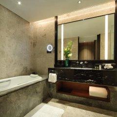 Отель InterContinental Shanghai Hongqiao NECC Улучшенный номер с двуспальной кроватью фото 2
