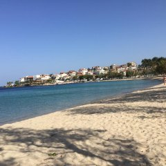 Отель George & Sia's House пляж