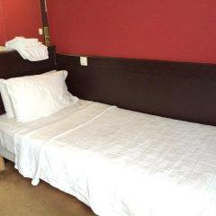 Отель Hôtel Monte Carlo 2* Стандартный номер с различными типами кроватей (общая ванная комната) фото 3