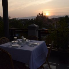 Отель Inlay Palace Hotel Мьянма, Хехо - отзывы, цены и фото номеров - забронировать отель Inlay Palace Hotel онлайн балкон