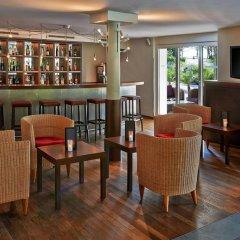 Apart-Hotel operated by Hilton гостиничный бар