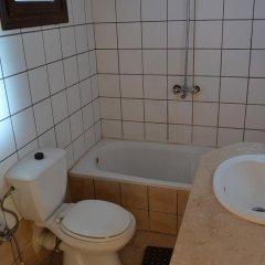 Отель Crazy Horse Camp ванная фото 2
