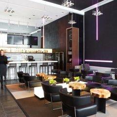 Отель le Germain Maple Leaf Square Канада, Торонто - отзывы, цены и фото номеров - забронировать отель le Germain Maple Leaf Square онлайн гостиничный бар