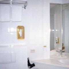 Entrée Hotel Glinde 3* Стандартный номер с 2 отдельными кроватями (общая ванная комната) фото 6