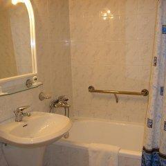 Academy Dnepropetrovsk Hotel 4* Номер Комфорт с двуспальной кроватью фото 2