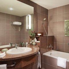 Отель Hilton Hanoi Opera 4* Номер Делюкс разные типы кроватей