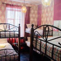 Хостел Trinity & Tours Кровать в общем номере с двухъярусной кроватью фото 26