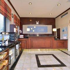 Отель Holiday Inn Express Kennedy Airport США, Нью-Йорк - 2 отзыва об отеле, цены и фото номеров - забронировать отель Holiday Inn Express Kennedy Airport онлайн интерьер отеля фото 2
