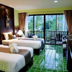 Отель Duangjitt Resort, Phuket 5* Улучшенный номер с 2 отдельными кроватями фото 4