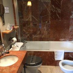 Отель Jeys Catedral Jerez Испания, Херес-де-ла-Фронтера - отзывы, цены и фото номеров - забронировать отель Jeys Catedral Jerez онлайн ванная
