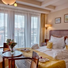Hotel Majestic Plaza 4* Улучшенный номер с различными типами кроватей фото 2