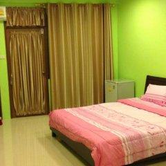 Отель Penang Palace сейф в номере