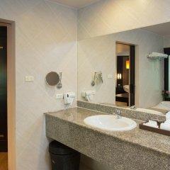 Отель Deevana Patong Resort & Spa 4* Улучшенный номер с двуспальной кроватью фото 11