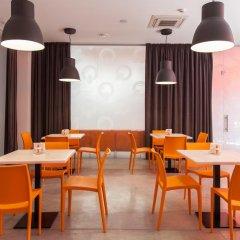 Orange Hotel гостиничный бар