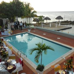 Отель Pipers Cove Resort Ямайка, Ранавей-Бей - отзывы, цены и фото номеров - забронировать отель Pipers Cove Resort онлайн бассейн