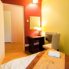 Chłodna29 Hostel Стандартный номер с двуспальной кроватью (общая ванная комната) фото 3
