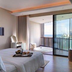 Отель Hilton Pattaya 5* Люкс повышенной комфортности с различными типами кроватей фото 2