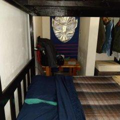 The Roof Backpackers Hostel Кровать в общем номере с двухъярусной кроватью фото 2