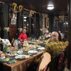 Отель Daskalov Bungalows Боженци питание